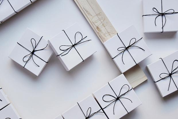 designsponge_box_wreath_02