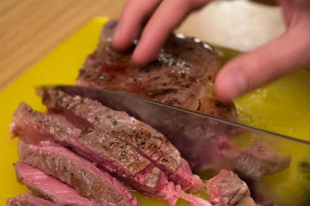 final_slicing_steak