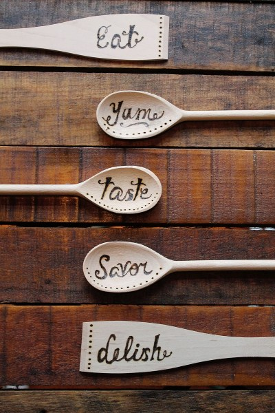 How to wood burned spoons make this wood burning project from confessions of a new old home owner has been on my must make list for awhile now im always looking for ways to implement spiritdancerdesigns Images