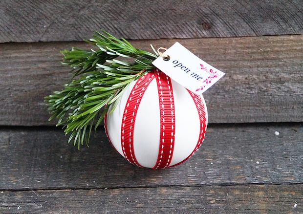 nurnoch_gift_card_bauble_01