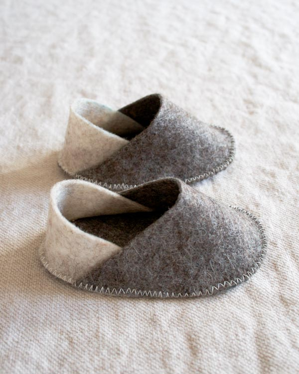 purlbee_felt_baby_slippers_01
