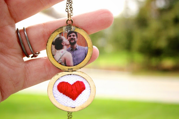 thesurznickcommonroom_cross-stitched_heart_locket_01