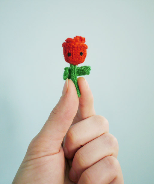 tiny-amigurumi-rose