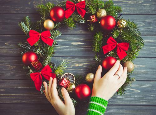 「クリスマスにリース」の画像検索結果