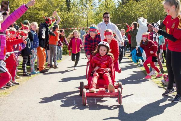 A children's festival in one of Reykjavik's largest parks ...