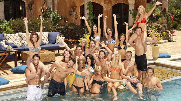 "BACHELOR PAD - ""Bachelor Pad,"" the exciting new competitive reality series from the producers of ""The Bachelor"" and ""The Bachelorette,"" premieres MONDAY, AUGUST 9 (8:00-10:00 p.m., ET), on ABC. (ABC/CRAIG SJODIN)BACK ROW: ASHLEY ELMORE, JESSIE SULIDIS, KRISILY KENNEDY, JUAN BARBIERI, GWEN GIOIA (ON JUAN'S SHOULDERS); MIDDLE ROW: GIA ALLEMAND (ON DAVID'S SHOULDERS), MICHELLE KUJAWA, JONATHAN NOVACK, NATALIE GETZ, WES HAYDEN, KIPTYN LOCKE, PEYTON WRIGHT, JESSE BECK; FRONT ROW: DAVID GOOD, JESSE KOVACS, TENLEY MOLZHAN, NIKKI KAPPKE, ELIZABETH KITT, CRAIG MCKINNON"