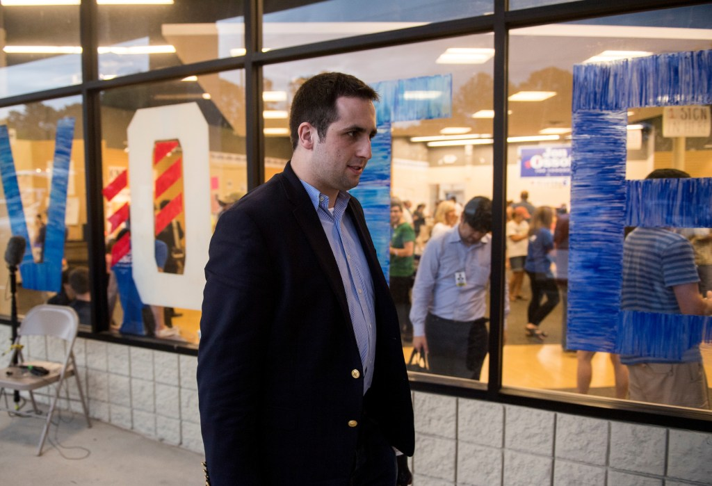 Pontoni walks into Ossoff's election eve rally in Roswell, Georgia. (Bill Clark/CQ Roll Call)