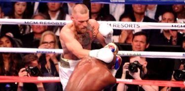 Conor McGregor vs Floyd Mayweather back of head