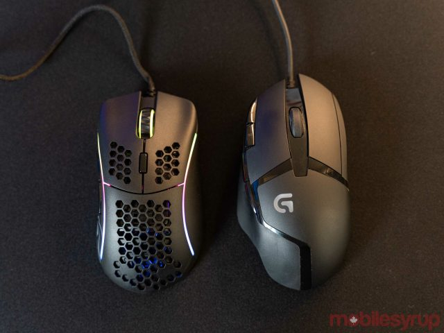 model d mouse vs logitech g402 scaled