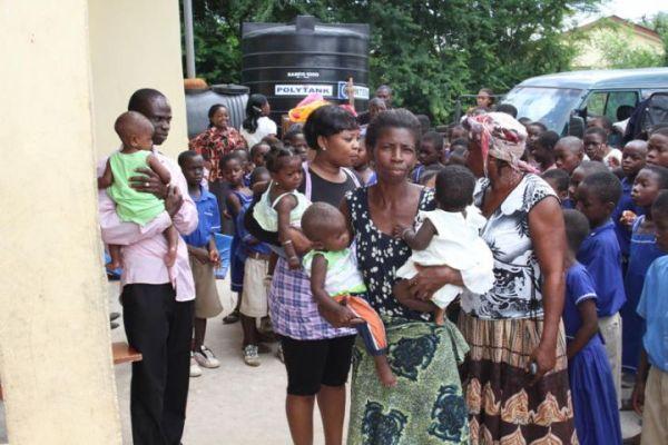 Theresa Ackom Sakyi assists Countryside Childrens Home