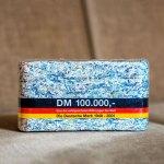 100 000 Dm Geschreddertes Geld D Mark Scheine Als Brikett