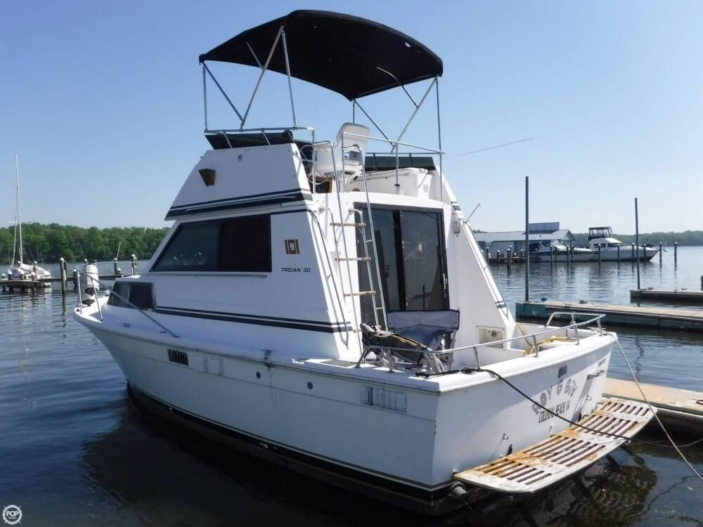 1979 Used Trojan 30 Sports Fishing Boat For Sale 10000