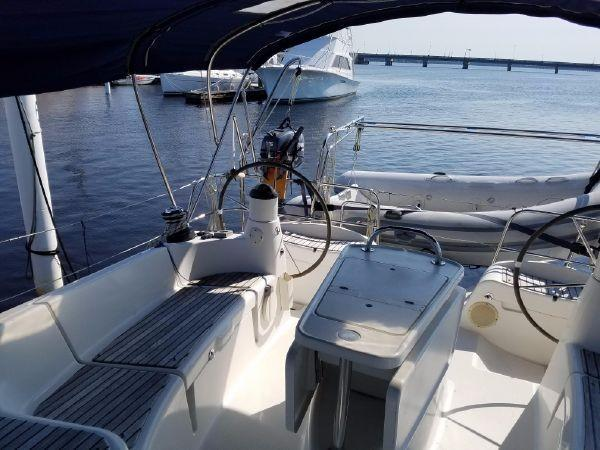 2007 Used Jeanneau Sun Odyssey 42 DS Cruiser Sailboat For