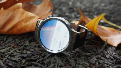 Huawei Watch showing Weather App