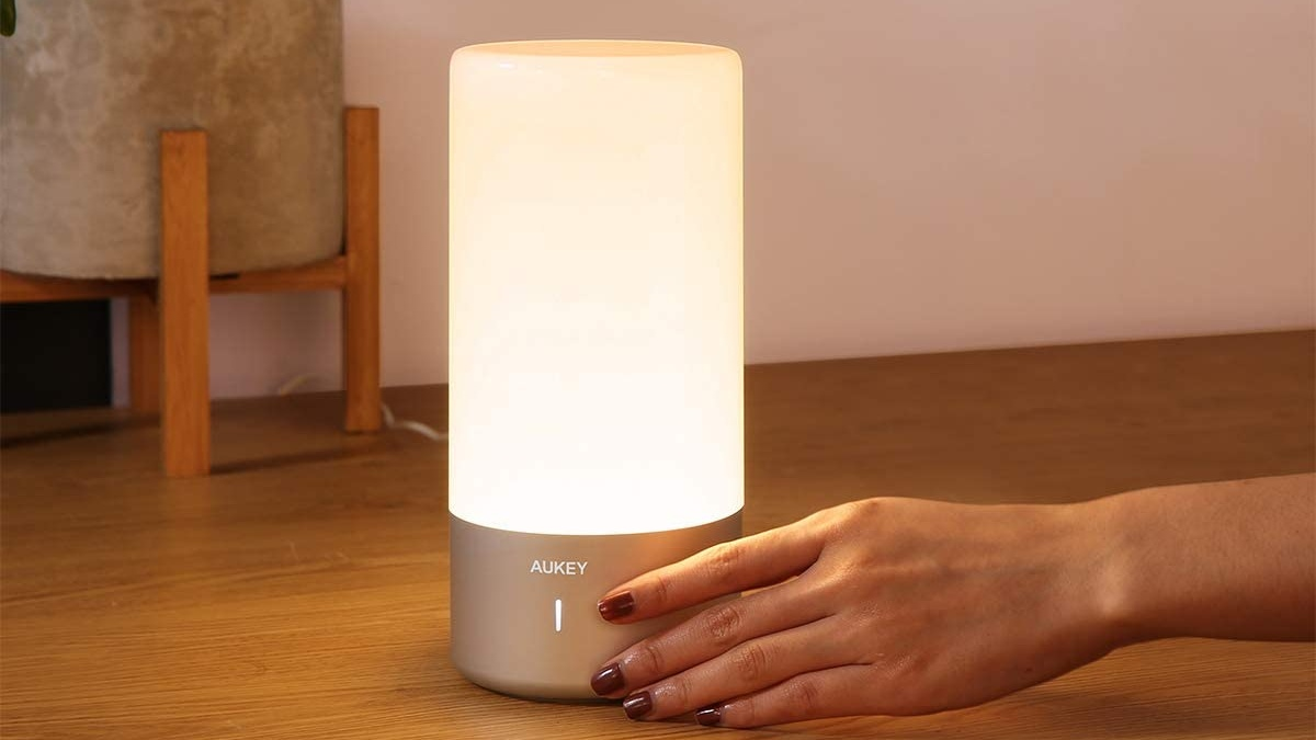 Best desk lamps: Aukey Table Lamp