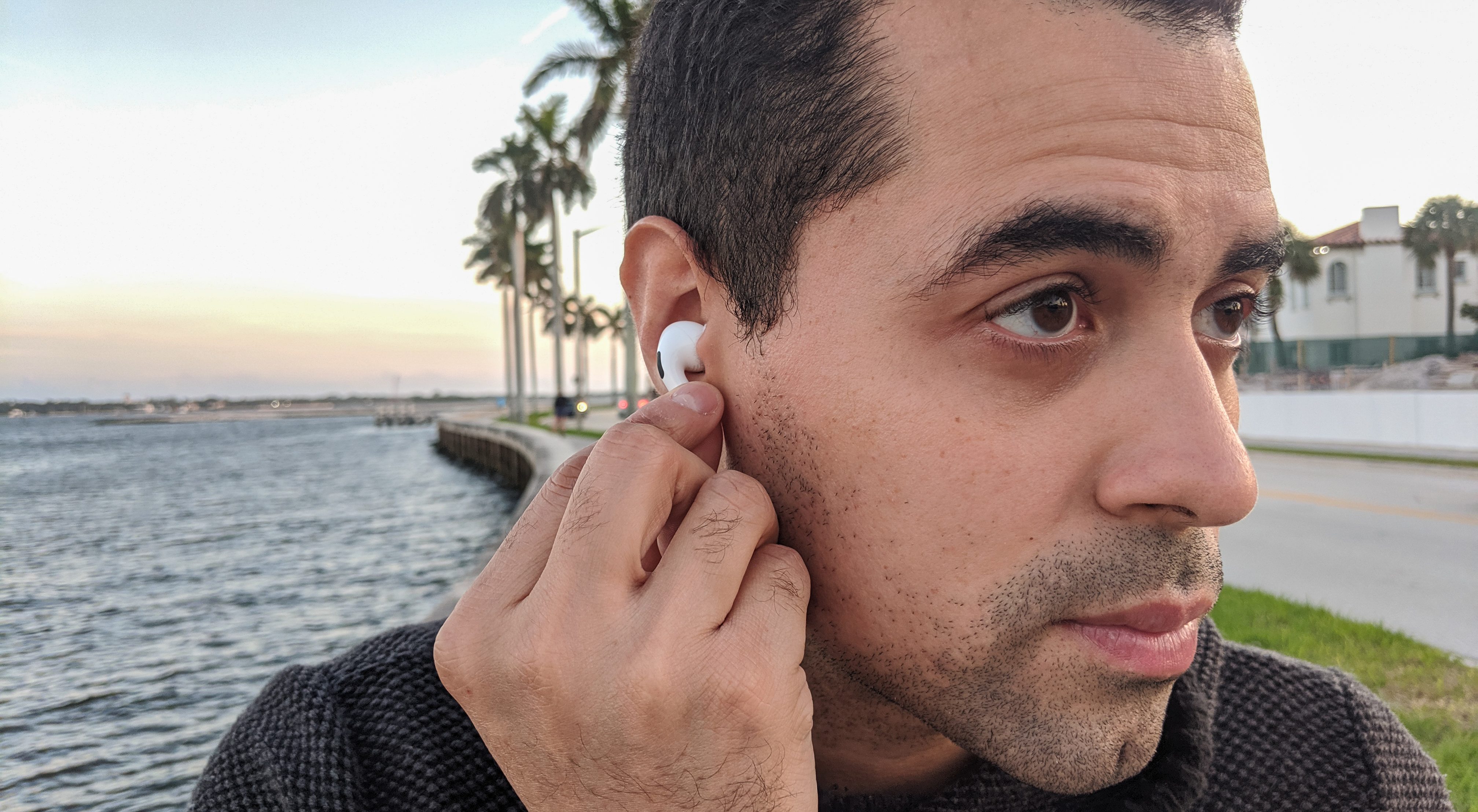 Bowers & Wilkins PI5 vs. AirPods Pro
