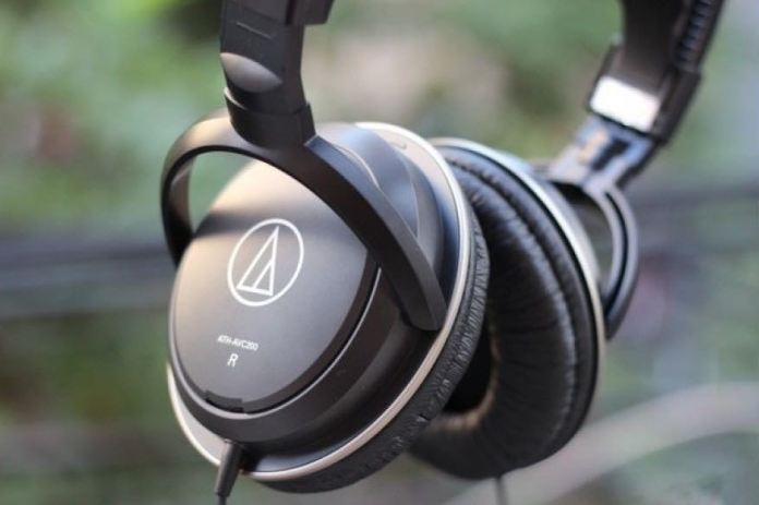 Best cheap headphones: Audio-Technica ATH-AVC200 SonicPro