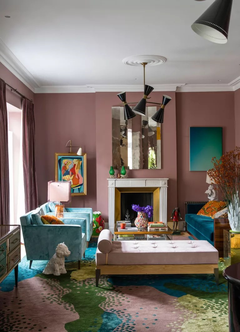 Pink living room with patterned pink and green carpet