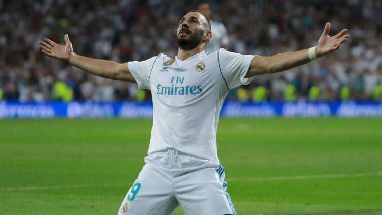BREAKING NEWS: Benzema seals Real Madrid stay until 2021 ...