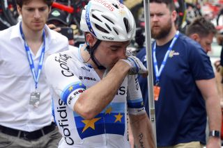 Elia Viviani after his stage 2 crash