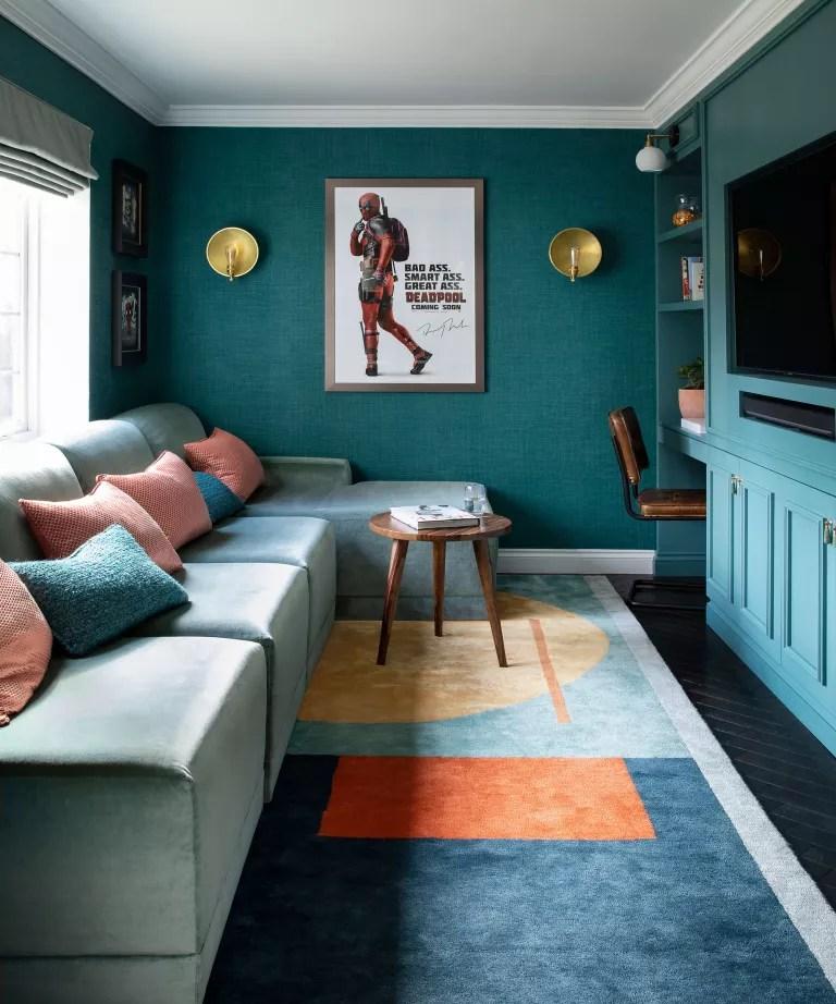 Dark living room ideas with green wallpaper
