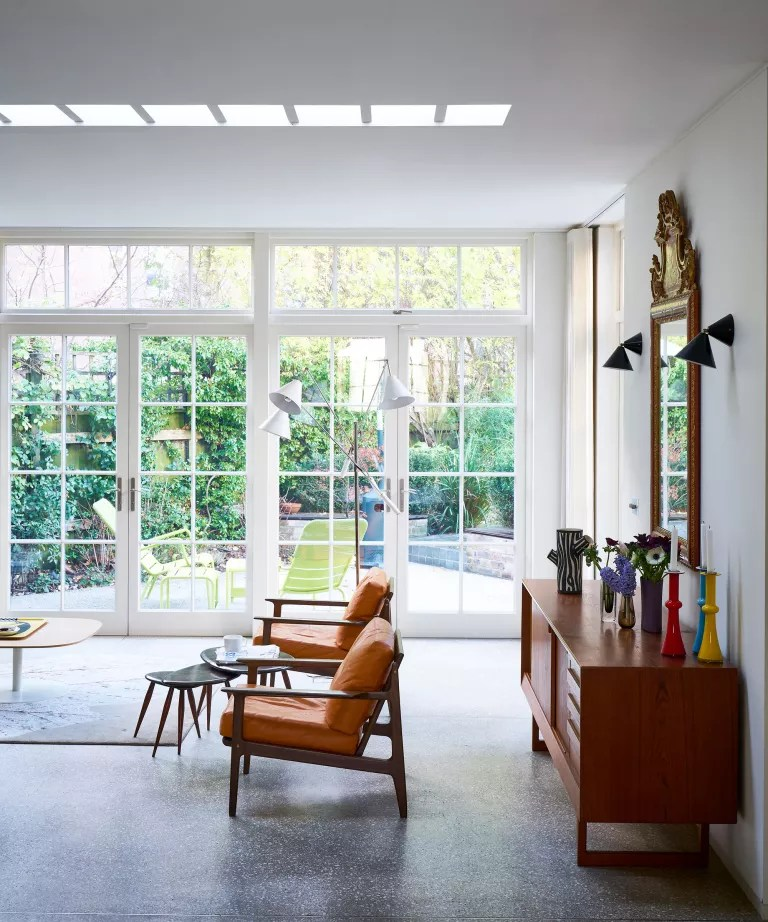 Mid-century modern living room ideas with wooden furniture