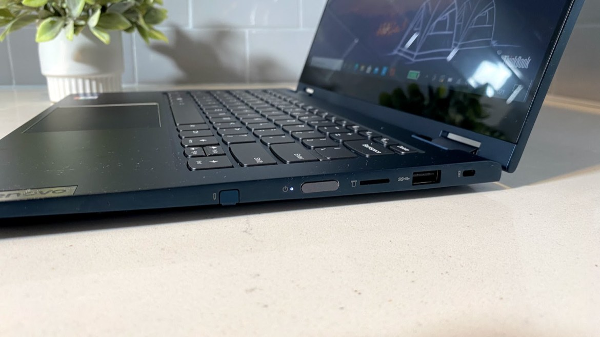Lenovo ThinkBook 14s Yoga review - right ports