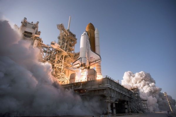 Total Cost of NASA's Space Shuttle Program: Nearly $200 ...