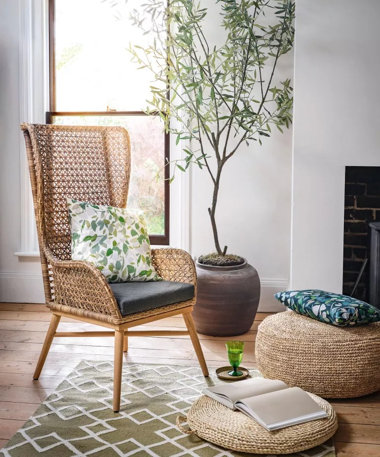 Living room with woven furniture