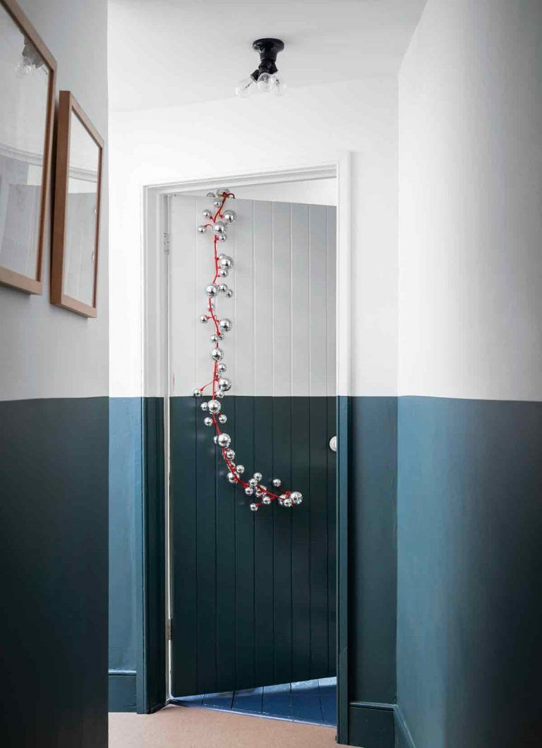Wall paint design ideas with tape – 15 inspiring patterns and