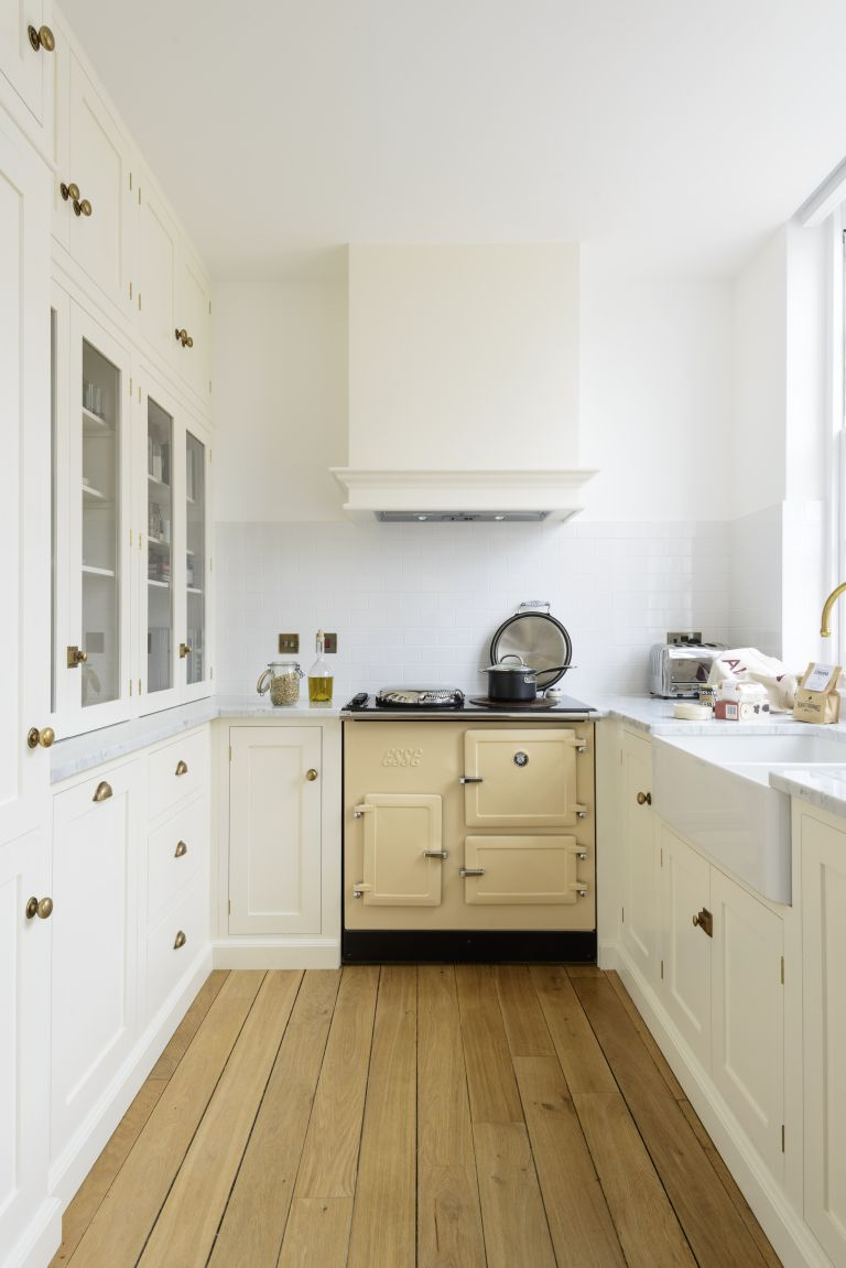 Small kitchen design: clever tips and planning advice for ... on Small Kitchen:jdu_Ojl7Plw= Kitchen Remodeling Ideas  id=89238