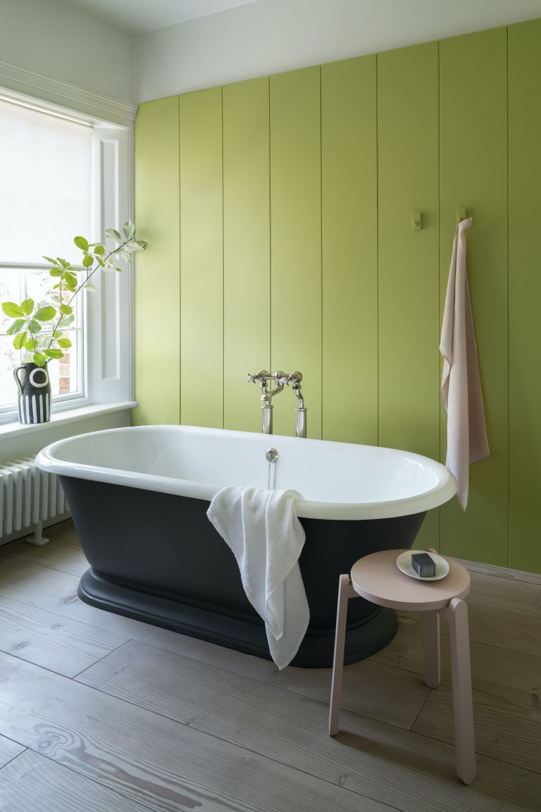 15 stunning green bathrooms to inspire