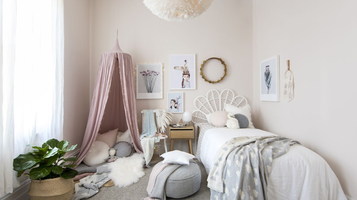 Small kids' bedroom ideas: 14 fun ways to enhance your ... on Girls Bedroom Ideas For Very Small Rooms  id=23857