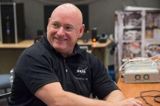 Yearlong Space Station Crew Unveils Mission Patch for 2015 ...