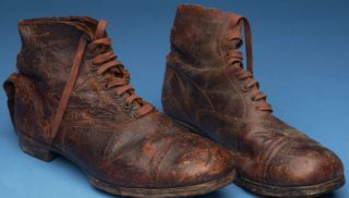 Old football boots (credit: National Football Museum)