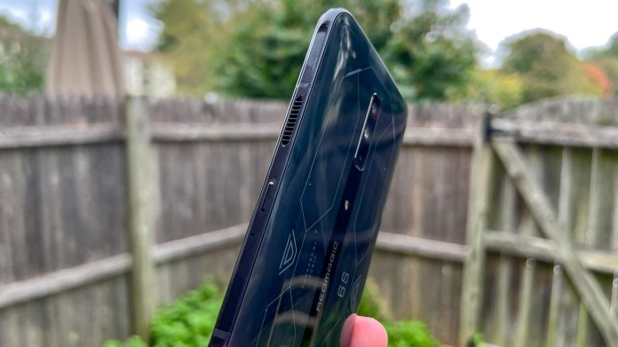 Redmagic 6s pro review: side of the phone showing the cooling vent