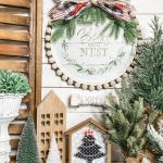 A Crafter Turned A 1 Pizza Pan Into A Must See Holiday Work Of Art Real Homes
