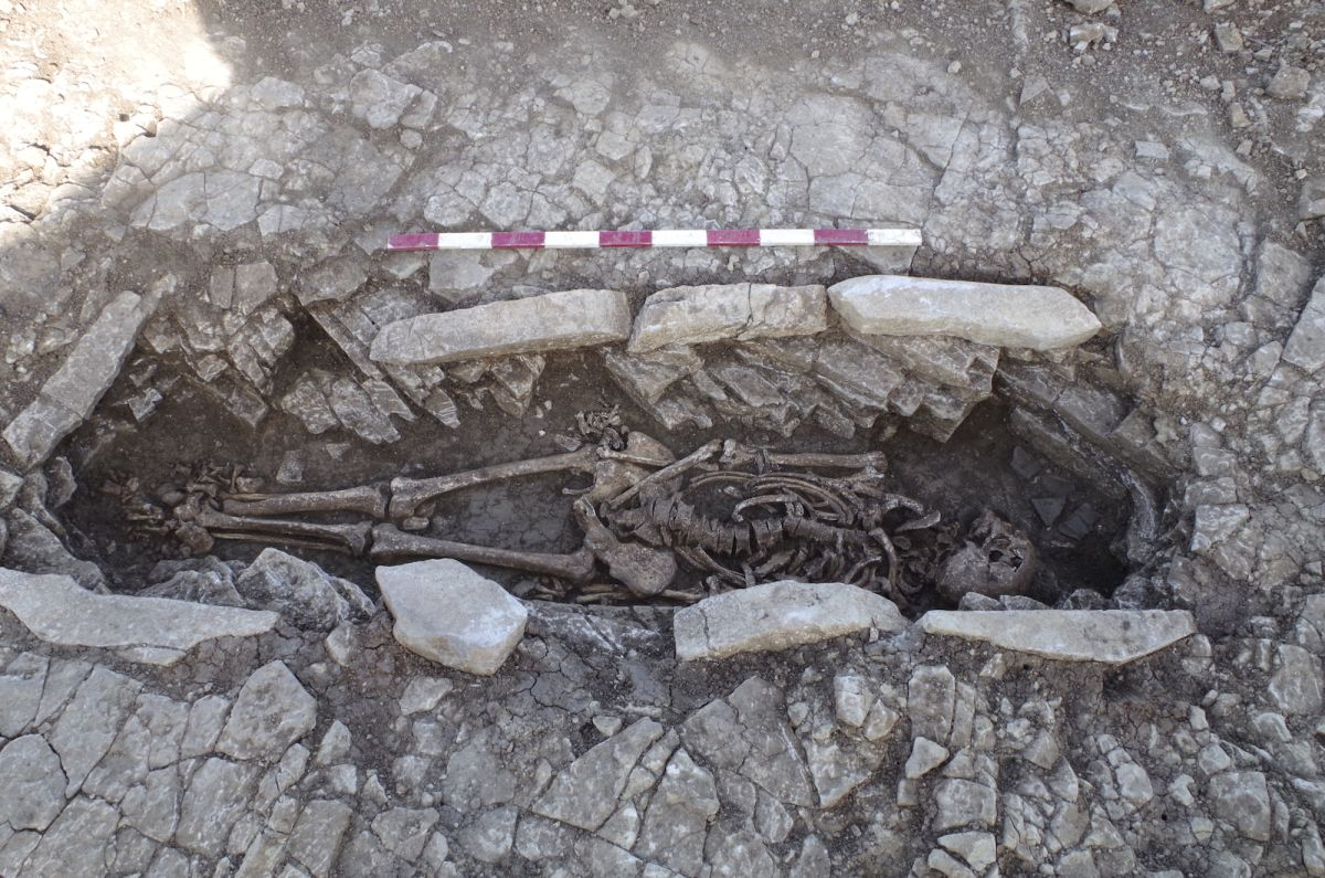 50 tombs of slaves who worked hard in a Roman villa found in England