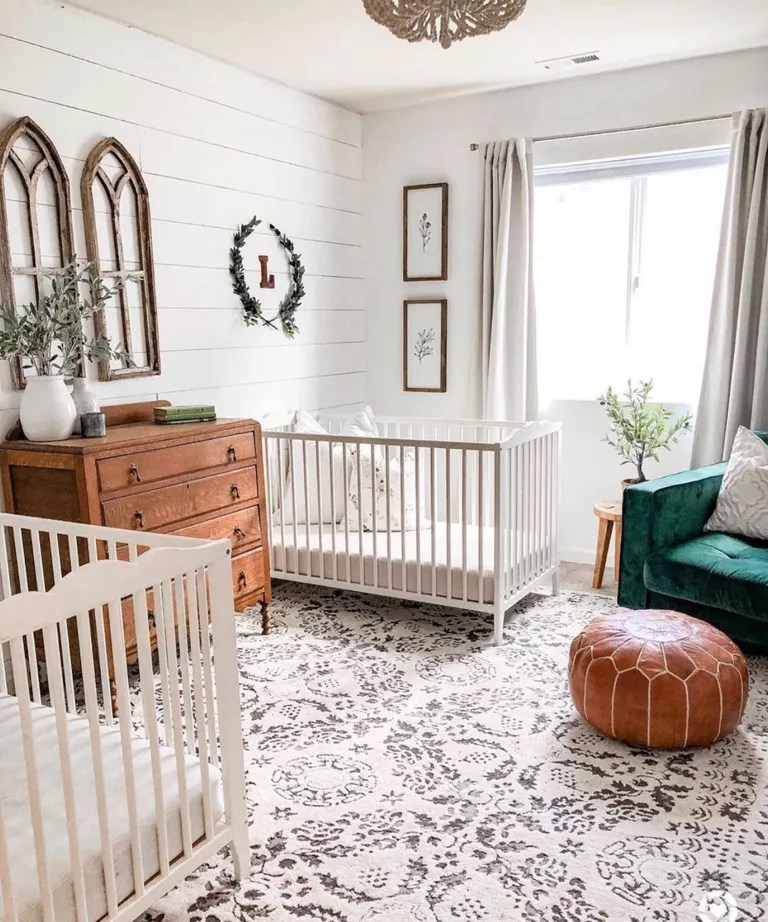Twin nursery with busy patterned carpet by @thejessstyle