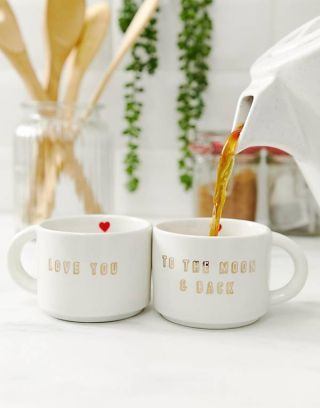 Sass and Belle I love you to the moon and back mugs  18 Valentine's Day gift ideas vxXKe8tVkQAPKPQ2afesjg 320 80