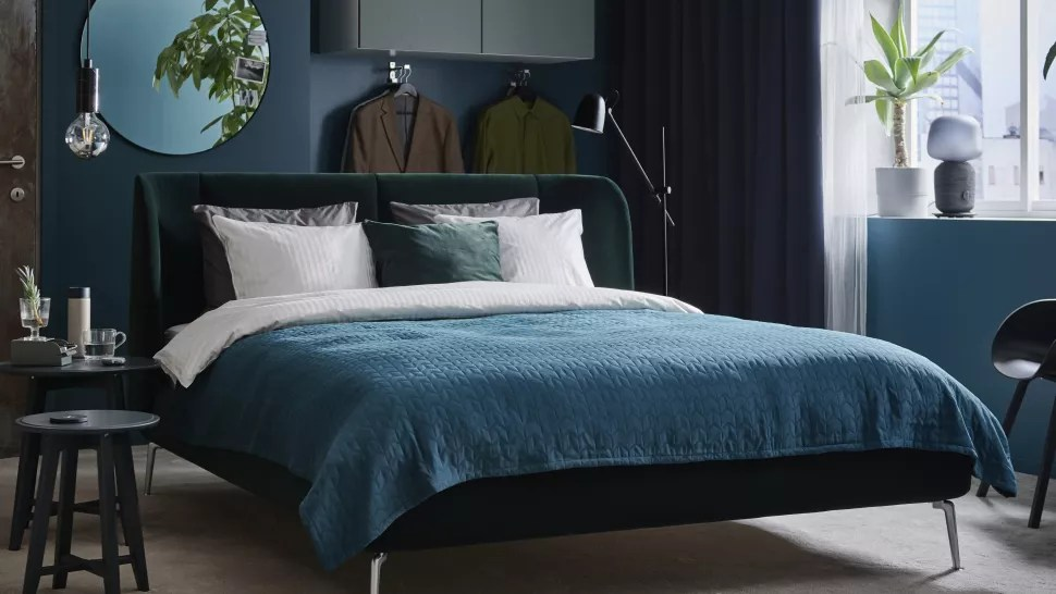 Guest Bedroom Ideas - bold colours