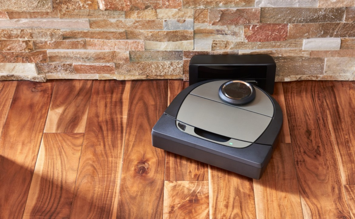 best robot vacuums: Neato Botvac D7 Connected