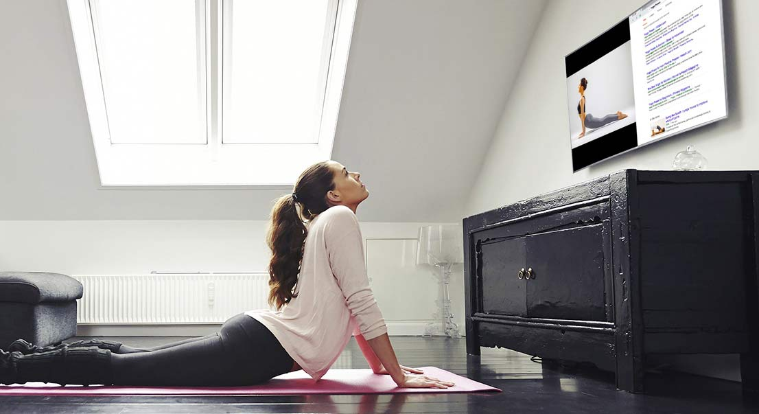 Some smart TVs allow you to surf the internet. (Photo: Samsung)