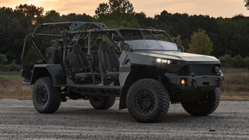 gm-defense-chevy-colorado-infantry-squad-vehicle-front-side.jpg