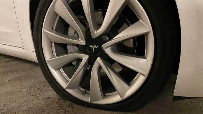 Sentry Mode Reveals Who Stabbed A Tesla Model 3 Performance Tire