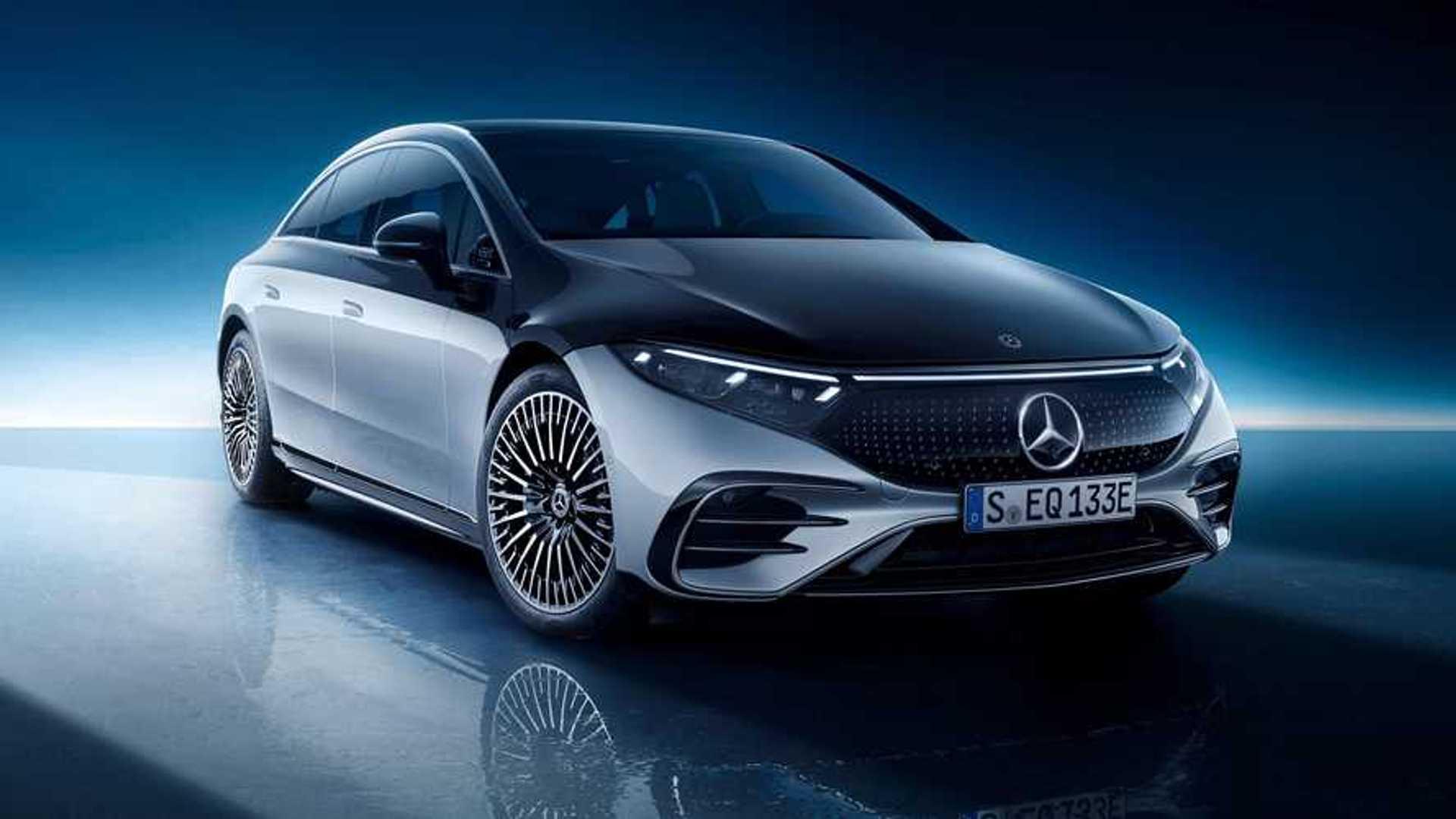 Mercedes-Benz EQS 580 Edition One 2022 exterior front quarter