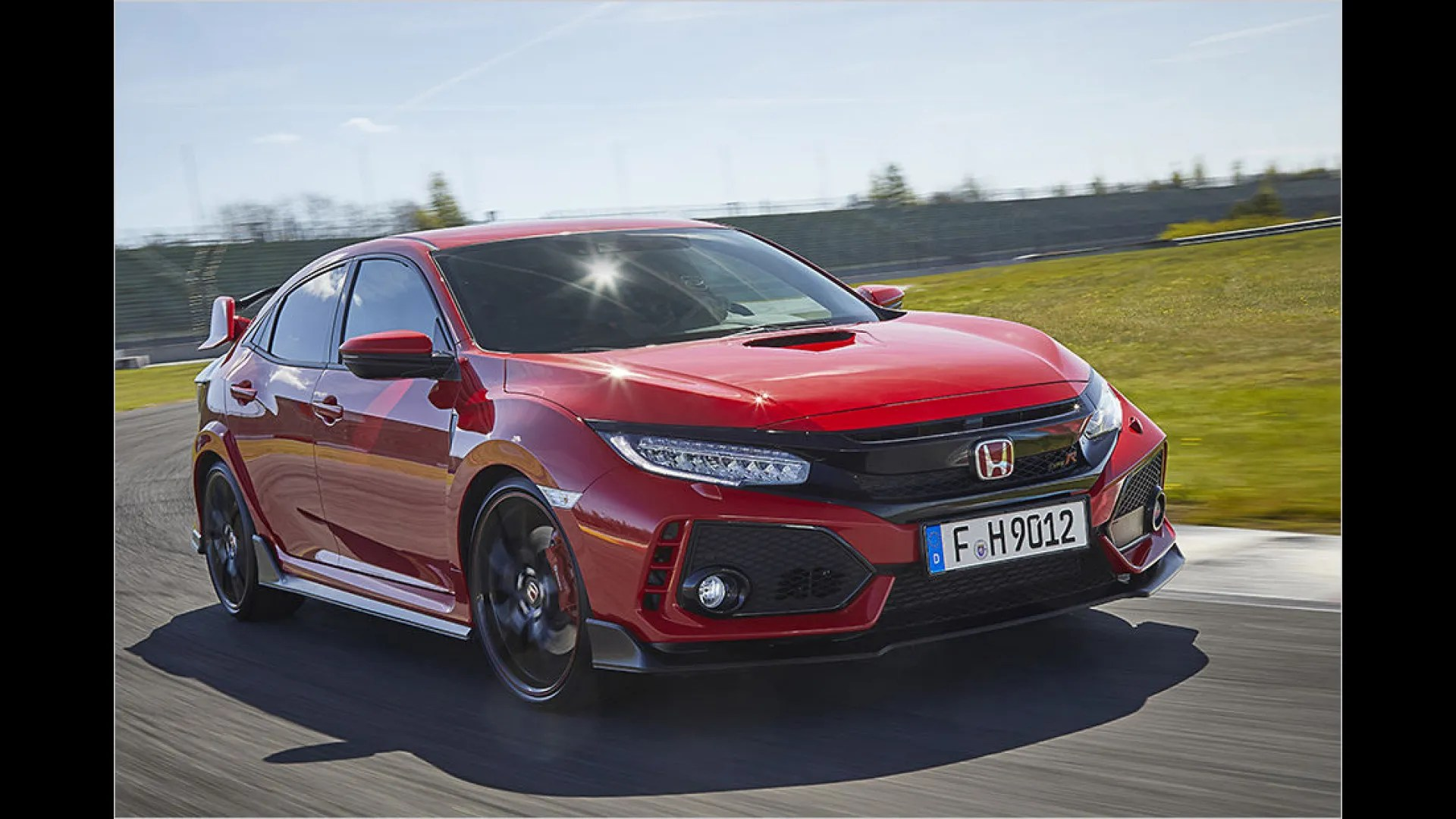 The type r civic shares much in common with its Neuer Honda Civic Type R Im Test