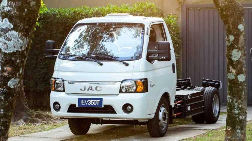 JAC iEV350T - external