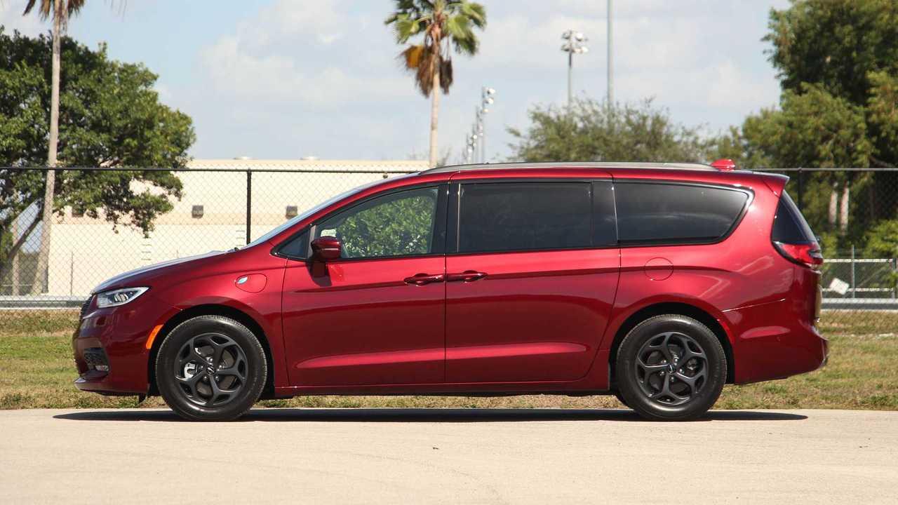 2021 Chrysler Pacifica Hybrid Exterior
