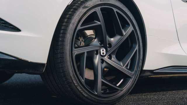 2021 Bentley Bacalar wheels